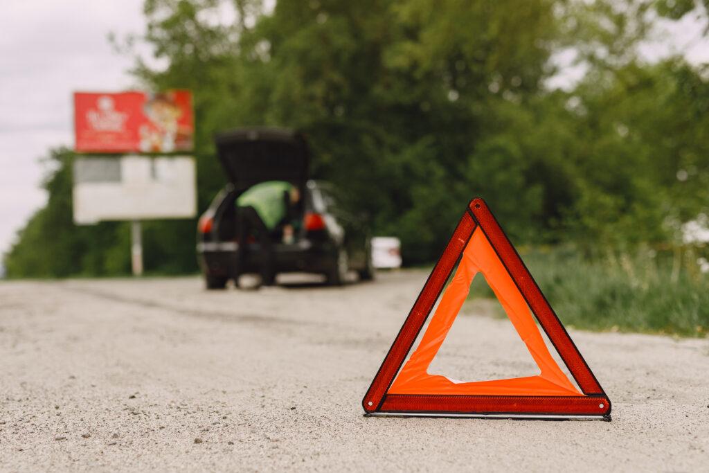 triangulo-emergencia-dgt-luz-emergencia-v16-hero-driver-led